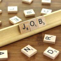 Job étudiant : caisse et réassort dans un magasin