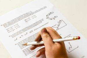 Etudiants et COVID-19 : examens, stages et année académique